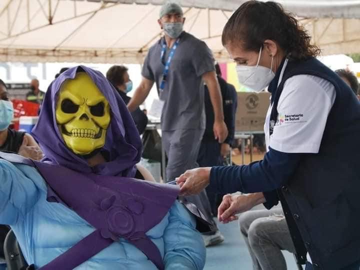 Skeletor se vacuna contra el covid-19