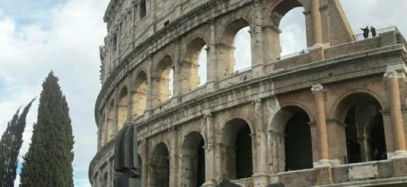 lugares para visitar en Roma-Coliseo-Romano