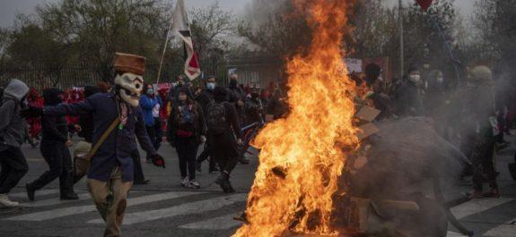 Disturbios en Chile al conmemorar 48 años del golpe contra Salvador Allende