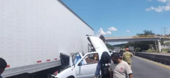 Choque en la carretera Santa Rosa–La Barca deja un muerto y un lesionado