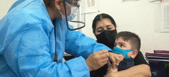Ganan amparo 24 niños y serán vacunados contra el Covid