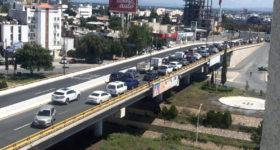 Taxistas quieren más concesiones; Gobierno se defiende