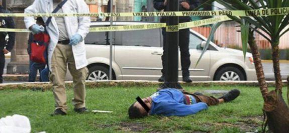 Encuentran sin vida a indigente en Monumento al Boxeador, en la Lagunilla