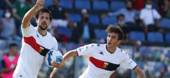 Johan Vásquez apareció en la banca en remontada del Genoa sobre Cagliari