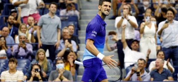 Novak Djokovic avanzó a las semifinales del Us Open y se enfrentará a Zverev