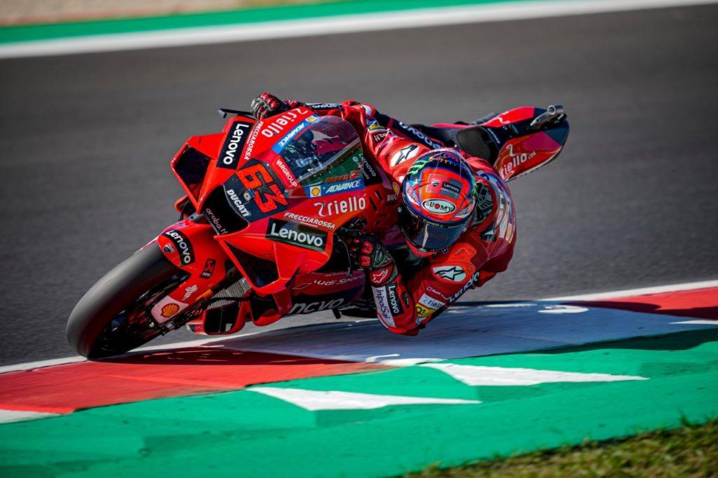 Pecco Bagnaia conquista su tierra y logra su segunda victoria en MotoGP en el Gran Premio de San Marino