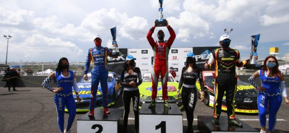 Salvador de Alba Jr. ganó en Querétaro y es líder de Nascar Peak