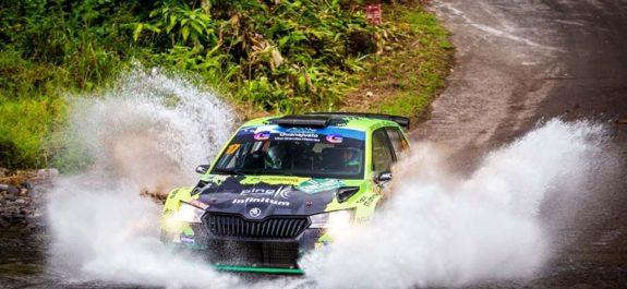 Benito Guerra piloto mexicano finalizó octavo en el Rally de Azores