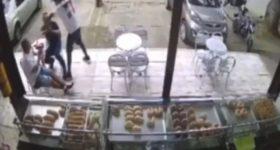 Mueren ladrones de panadería; caen abatidos por su víctima