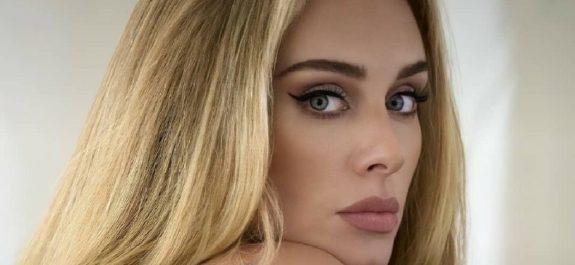 Adele presentó Easy On Me