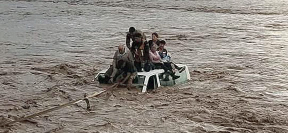 """Se desborda río en Nayarit tras paso de """"Pamela"""""""