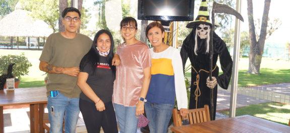 Edga Flores, Elsa Gomez, Salma Martinez y Claudia Gomez