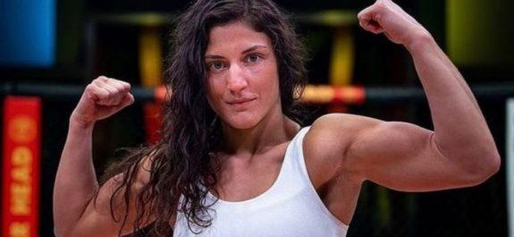 Lupita Godínez conquistó su primera victoria en Fight Night frente a Silvana Gómez