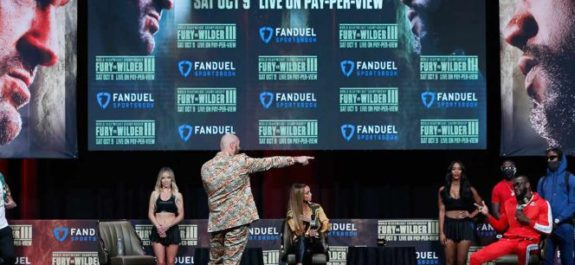 Tyson Fury y Deontay Wilder calientan con insultos su pelea