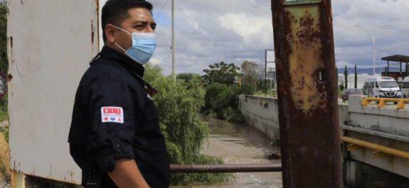 Hallan cuerpo en dren pluvial de Querétaro; presumen sea víctima de inundaciones
