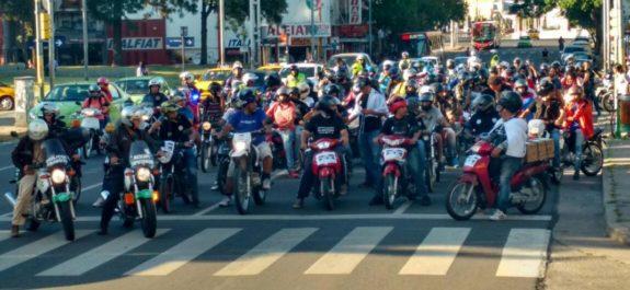 Buscan impedir chaleco en motociclistas con mega marcha de 1000 máquinas